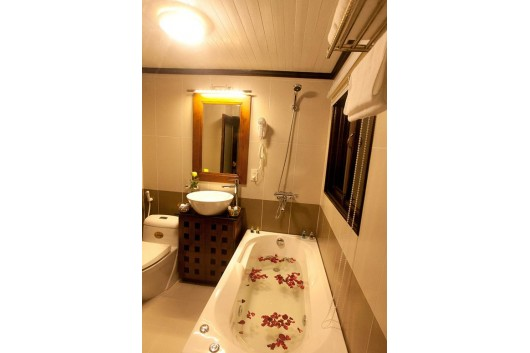 2.glhl_vipcabin3_bathroom_s0