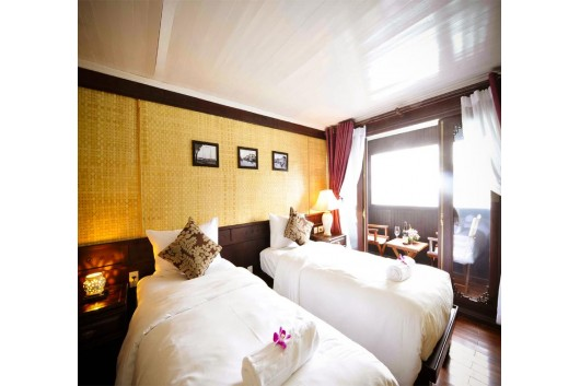 Bhaya-Legend-Halong-4-cabin-twin-bed1
