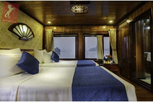 Flamingo-Cruise-Deluxe-Room-0