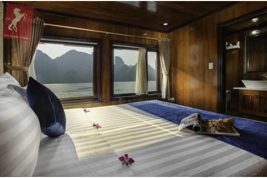 Flamingo-Cruise-Premium-Deluxe-Room0