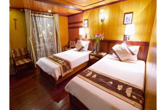 Halong_Emtoioncruise_Deluxe_twin_cabin2-1