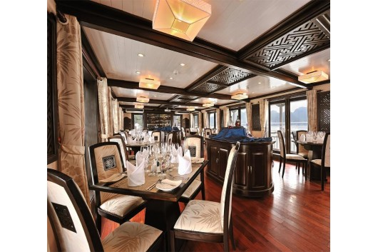Halong_Paradise_luxury_Cruise_restaurant1