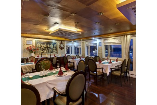 Halong_White_Dolphin_Cruise_restaurant0