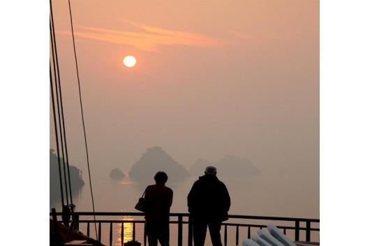 Halong_jasmine_sunset_view1