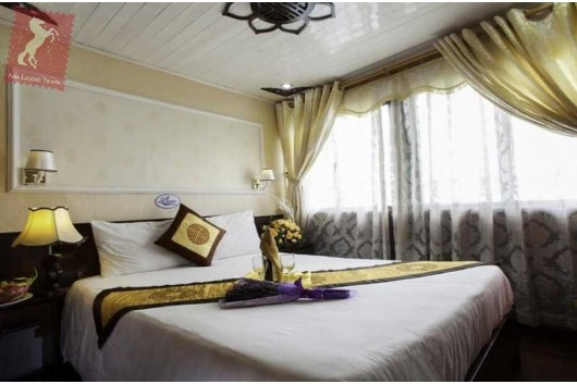 Lavender-Cruise-Halong-Bay-Deluxe-Double-Room-0