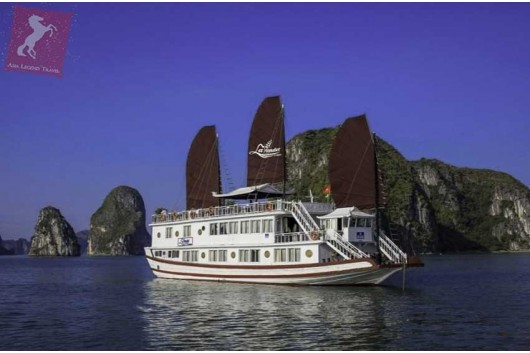 Lavender-Cruise-Halong-Bay-Panorama-0