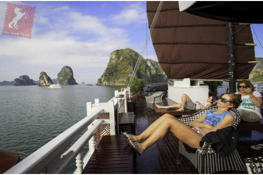 Lavender-Cruise-Halong-Bay-Sundeck-0