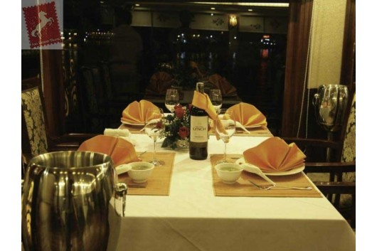 Oriental-Sails-Halong-Bay-Dining-Room-3