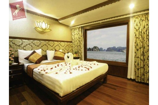 Oriental-Sails-Halong-Bay-Double-Cabin-3