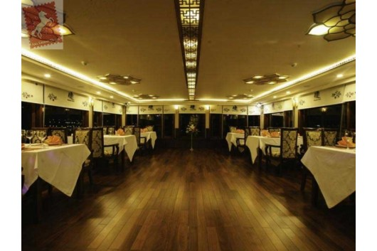 Oriental-Sails-Halong-Bay-Restaurant-2