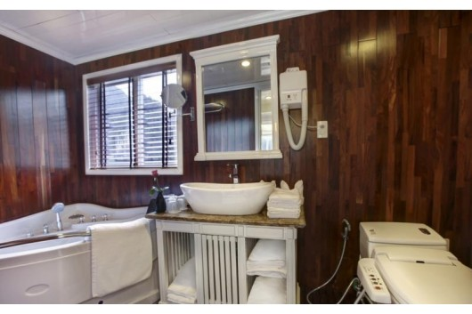 Signaturecruise-JacuzziBathroom20